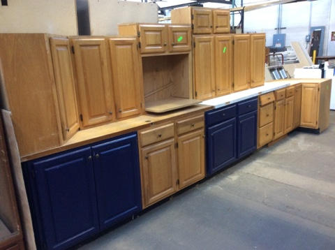 Kitchen Cabinet Set 14pc Oak w/Painted