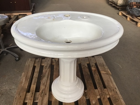 Monument Pottery Co. Majestic Antique Pedestal Sink