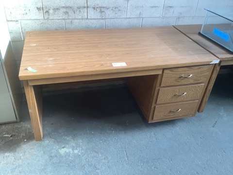Single Pedestal Oak Veneer Desk
